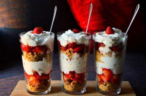 יצירתיות גם באוכל: איך ליצור בעצמכם קינוחי פירות יצירתיים?